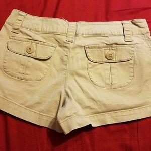 Mossimo Supply Co. Shorts - 2/$10 SALE💖Mossimo Khaki Shorts size 7